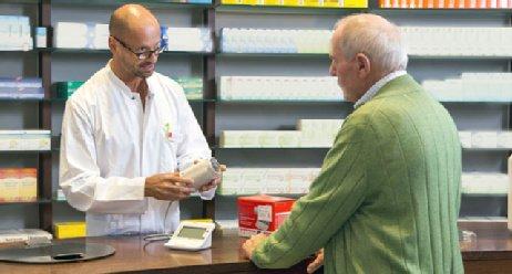 Apotheker beraten Herzpatienten
