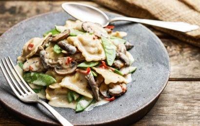 Ravioli mit cremiger Pilzsauce