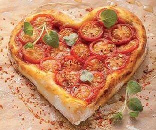 Raclette-Pizza zubereiten: So geht's