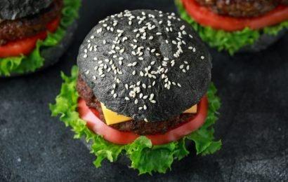 Trendy – jedoch ungesund: Vorsicht bei schwarzen Lebensmitteln mit Aktivkohle