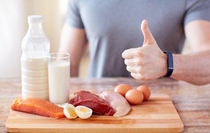 Diät: Gesünderes Abnehmen im Alter mit Hilfe kalorienarmer Ernährung und hohem Eiweißgehalt