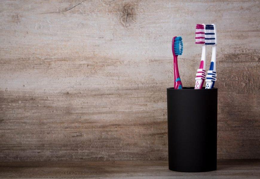 Beliebter Drogeriemarkt bringt erste vegane Bio-Zahnbürste auf den Markt