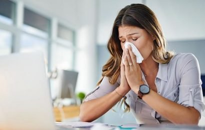 Dauermüde und schlapp: Daran kann es liegen, wenn du eine Erkältung nicht loswirst