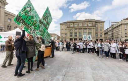 Schweizer Apotheker protestieren gegen Sparmaßnahmen