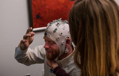 Die Kultivierung Freude durch Achtsamkeit: Ein Gegenmittel gegen opioid-Missbrauch, der Krankheit, der Verzweiflung