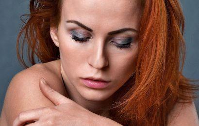 Erhöhte Depressionen, Selbstmordgedanken und stress berichtet werden bei Patienten mit chronisch juckende Haut