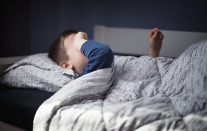 Verhaltenstherapie für Schlaflosigkeit zeigt Vorteil für Kinder mit Autismus und Ihre Eltern