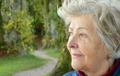 Die Bewegung schützt die Gesundheit der Knochen in der älteren Erwachsenen mit übergewicht?