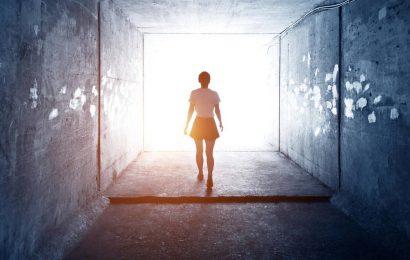 Studie zu Nahtod-Erfahrungen: Der Tod fühlt sich gar nicht so schlimm an
