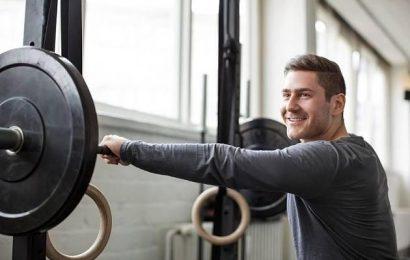 Tipps einer Fitnesstrainerin: Abnehmen und gleichzeitig Muskeln aufbauen – geht das?