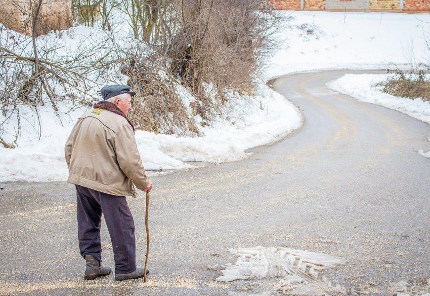 COVID-19 Einsamkeit verbunden mit erhöhten psychiatrischen Symptome bei älteren Erwachsenen