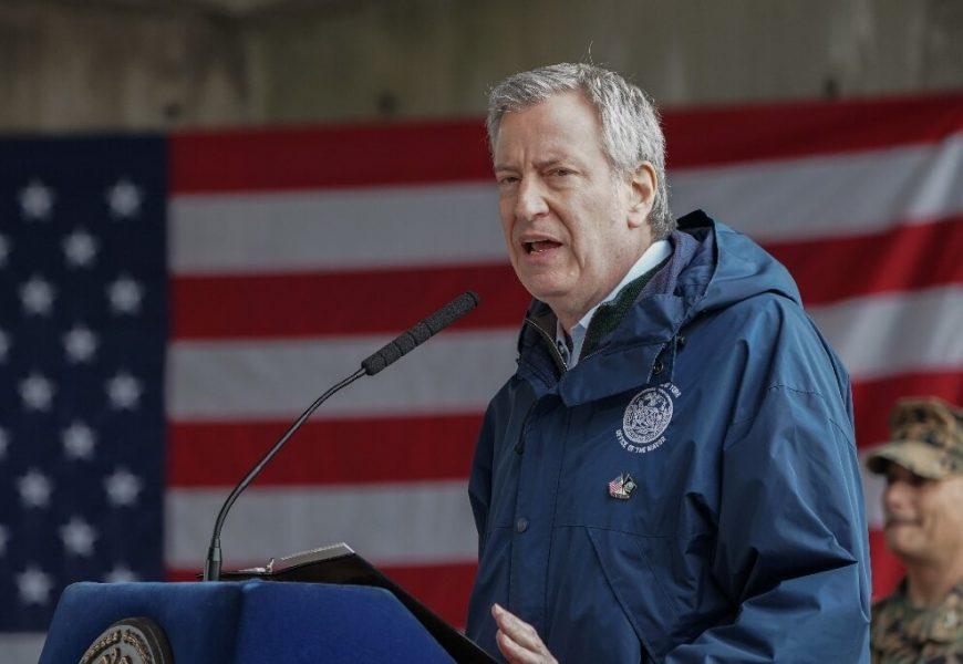 New York City verschiebt den innen-Ess-als UNS COVID-19 Fällen steigen