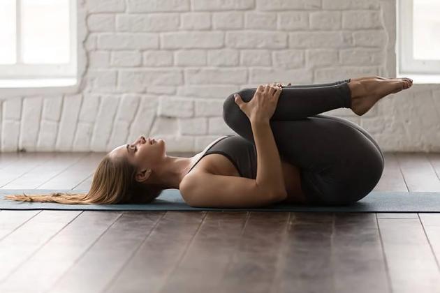 Stretching für innere Ruhe: 15 Minuten Anti-Stress-Yoga mit MadFit