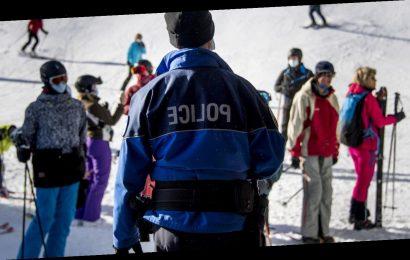 Briten verschwinden trotz Quarantäne über Nacht aus Schweizer Skiort